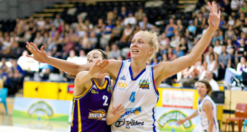 Australie_2013-2014_Abby BISHOP (Canberra)_Michelle COULING