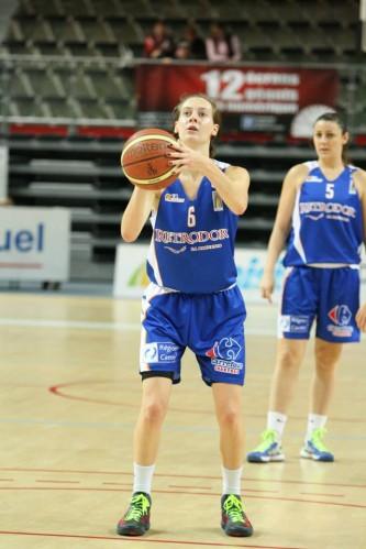 Ligue 2_2013-2014_Lindsay GONZALEZ (Chartres)_Frédéric CAUPAIN