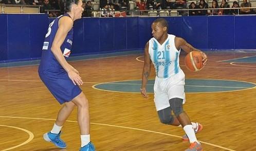 Turquie_2013-2014_Natasha LACY (Tarsus) vs. Konak_jwsbasketball.org