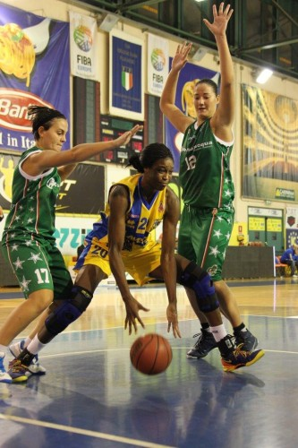 Italie_2013-2014_Victoria MACAULAY (Parme)_dailybasket.it