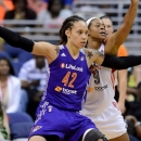 WNBA : Brittney GRINER Défenseur de l'Année, Sandy BRONDELLO Coach de l'Année