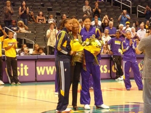 Tamika CATCHINGS & Candace PARKER_hoopism.blogspot.fr