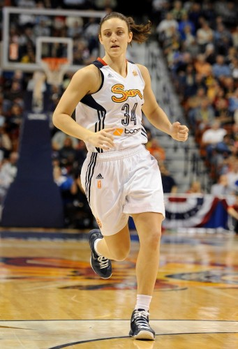 WNBA_2013_Kelly FARIS (Connecticut)_New Heaven Register