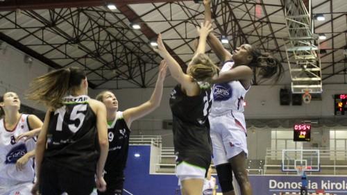 Espagne_2014-2015_Bernice MOSBY (Gernika) vs. U. Pays Basque_gernikasaski.com