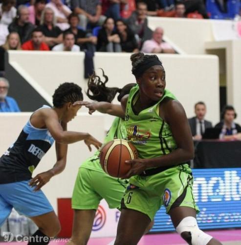 LFB_2013-2014_Carine PAUL (Hainaut Basket) vs. Nantes-Rezé_H. L. F.