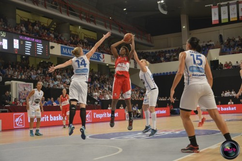 LFB_2014-2015_Fatimatou SACKO 1 (Villeneuve d'Ascq) vs. Basket Landes_Laury MAHE