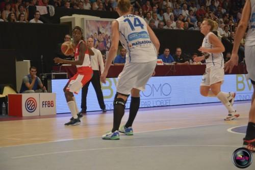 LFB_2014-2015_Johanne GOMIS 1 (Villeneuve d'Ascq) vs. Basket Landes_Laury MAHE