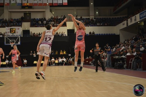 LFB_2014-2015_Maggie LUCAS 4 (Arras) vs. Angers_Laury MAHE