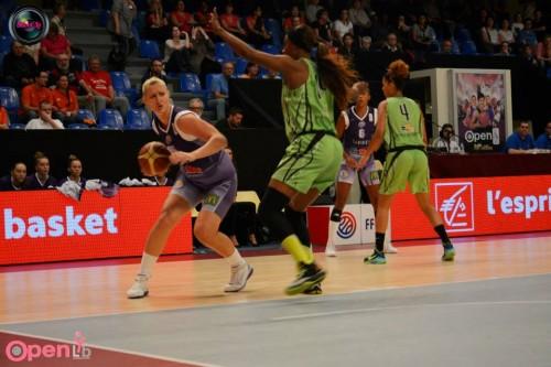 LFB_2014-2015_Valeriya BEREZHINSKA (Tarbes) vs. Hainaut Basket_Laury MAHE
