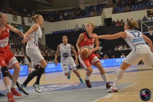 LFB_2014-2015_Virginie BREMONT 4 (Villeneuve d'Ascq) vs. Basket Landes_Laury MAHE