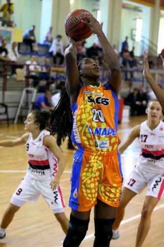 Italie_2014-2015_Victoria MACAULAY (Naples)_legabasketfemminile.it