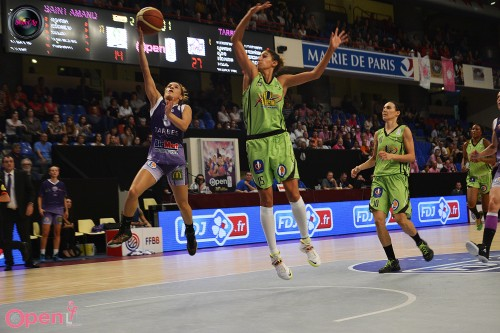 LFB_2014-2015_Najat OUARDAD 1 (Tarbes) vs. Hainaut Basket_Laury MAHE