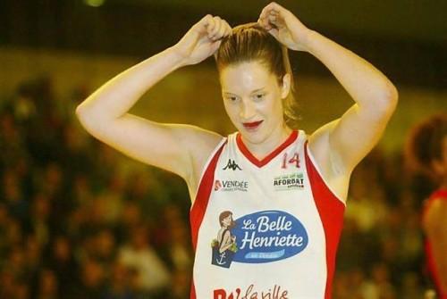 Ligue 2 1415 - Aurélie CARMONA (La Roche) - Ouest France