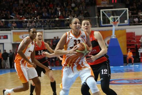 Russie_2014-2015_Diana TAURASI (Ekaterinbourg) vs. S. Moscou R._basket.ugmk.com