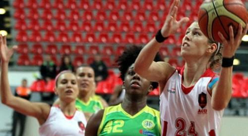 Turquie_2014-2015_Gabriela MARGINEAN (Abdullah Gül Univ.) vs. Istanbul Univ._jwsbasketball.org
