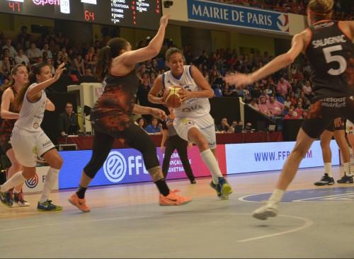 LFB_2014-2015_Naomi HALMAN (Montpellier) vs. Bourges_Laury MAHE
