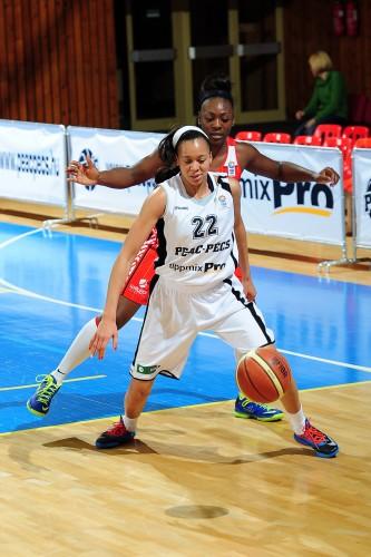 Eurocoupe_2013-2014_Latoya WILLIAMS (PEAC Pécs)_ FIBA Europe_Viktor REBAY
