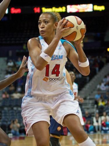 WNBA_2012_Erika DE SOUZA (Atlanta)_Andrew SNOOK