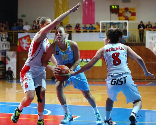 Rép. Tchèque_2014-2015_Lenka BARTAKOVA (USK Prague)_uskbasket.cz