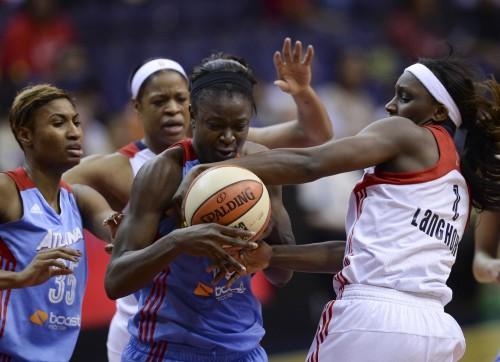 WNBA_2013_Aneika HENRY (Atlanta) vs. Washington_Toni L. SANDYS_The Washington Post