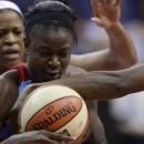 WNBA : Aneika HENRY reste à Atlanta, qui complète son camp d'entrainement