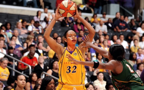 Tina THOMPSON (Los Angeles)_Andrew D. BERNSTEIN_NBAE_Getty Images