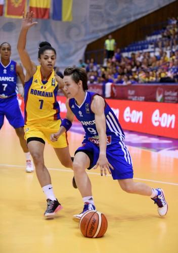 Euro 2015_Céline DUMERC (France) vs. Roumanie_FIBA_CIAMILLO-CASTORIA_BELLENGER