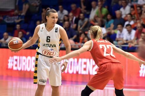 Euro 2015_Kamile NACICKAITE (Lituanie) vs. Hongrie_FIBA_CIAMILLO-CASTORIA_REBAY