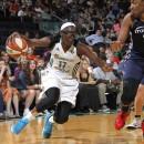 """WNBA : Riquna WILLIAMS """"out"""", Essence CARSON et Ann WAUTERS arrivent à Los Angeles"""