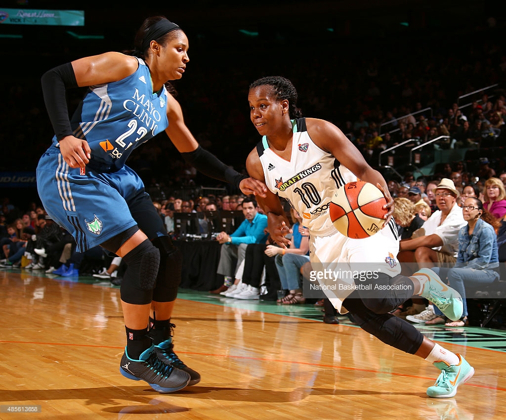 NEW YORK, NY - AUGUST 28: Epiphanny Prince #10 of the New York Liberty drives against Maya Moore #23 of the Minnesota Lynx on August 28, 2015 at Madison Square Garden, New York City , New York. NOTE TO USER: User expressly acknowledges and agrees that, by downloading and or using this Photograph, user is consenting to the terms and conditions of the Getty Images License Agreement. Mandatory Copyright Notice: Copyright 2015 NBAE (Photo by Nathaniel S. Butler/NBAE via Getty Images)
