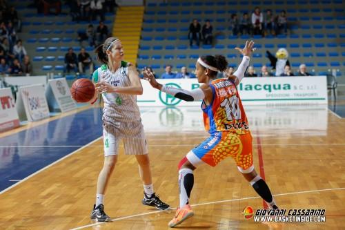 Italie_2014-2015_Jelena IVEZIC (Raguse) vs. Naples_Giovanni CASSARINO