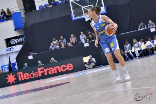 LFB_2015-2016_Alexia PLAGNARD (Basket Landes) 3 vs. Charleville-Mézières_Laury MAHE