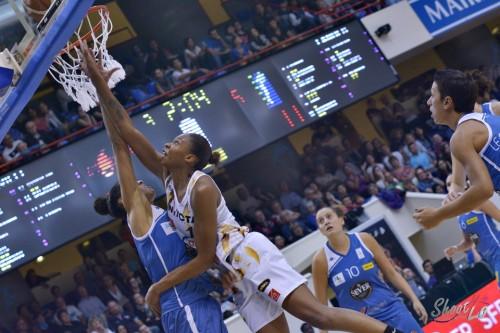 LFB_2015-2016_Alicia DeVAUGHN (Charleville-Mézières) 2 vs. Basket Landes_Laury MAHE