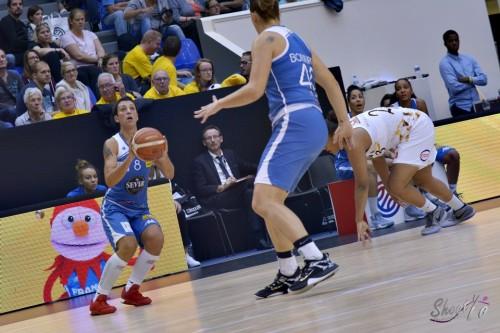 LFB_2015-2016_Anaïs LE GLUHER-CANO (Basket Landes) 1 vs. Charleville-Mézières_Laury MAHE