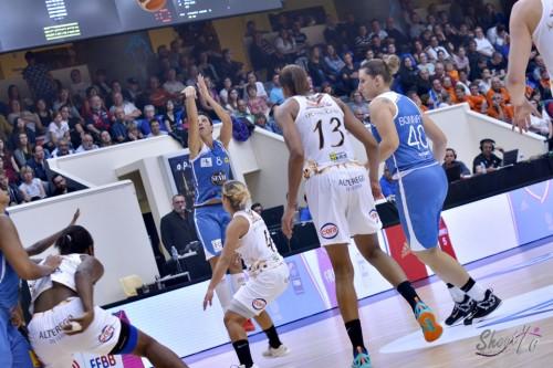 LFB_2015-2016_Anaïs LE GLUHER-CANO (Basket Landes) 2 vs. Charleville-Mézières_Laury MAHE