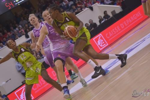 LFB_2015-2016_Fabienne CONSTANT(Hainaut Basket) 2 vs. Angers_Laury MAHE