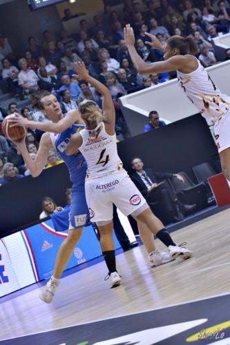 LFB_2015-2016_Iva SLISKOVIC (Basket Landes) 3 vs. Charleville-Mézières_Laury MAHE
