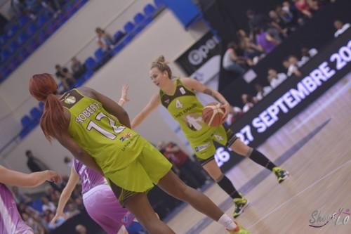 LFB_2015-2016_Joyce COUSSEINS-SMITH (Hainaut Basket) 1 vs. Angers_Laury MAHE