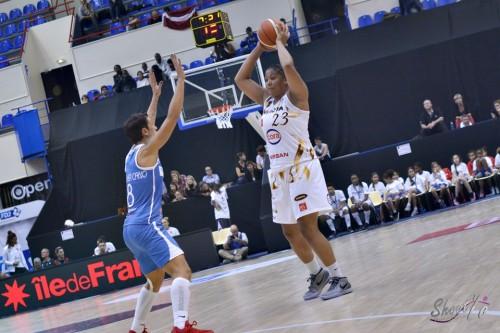 LFB_2015-2016_Kaleena MOSQUEDA-LEWIS (Charleville-Mézières) 2 vs. Basket Landes_Laury MAHE