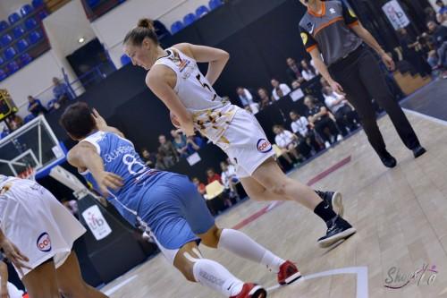 LFB_2015-2016_Kim MESTDAGH (Charleville-Mézières) 8 vs. Basket Landes_Laury MAHE