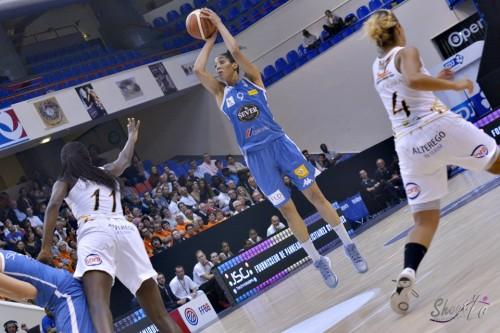 LFB_2015-2016_Miranda AYIM (Basket Landes) 1 vs. Charleville-Mézières_Laury MAHE
