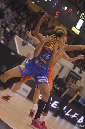 LFB_2015-2016_Naomi HALMAN (Montpellier) 1 vs. Bourges_Laury MAHE