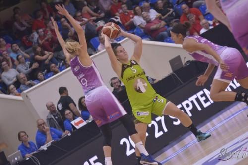 LFB_2015-2016_Romana HEJDOVA (Hainaut Basket) 1 vs. Angers_Laury MAHE