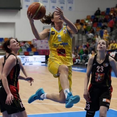 Rép. tchèque_2015-2016_Laia PALAU (USK Prague)_uskbasket.cz