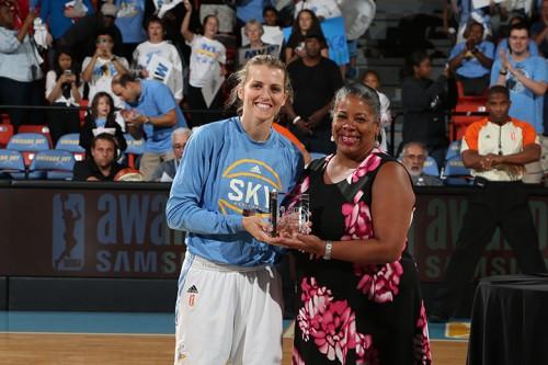 WNBA_2015_Alexandria QUIGLEY meilleure 6ème joueuse_Gary Dineen_NBAE via Getty Images