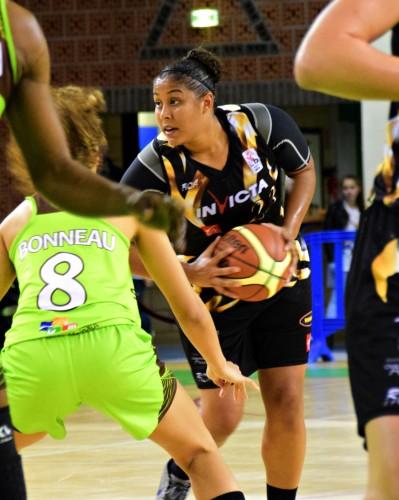 LFB_2015-2016_Kaleena MOSQUEDA-LEWIS (Charleville) @Hainaut Basket_Thibaut LASSER