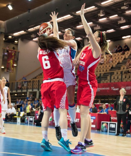 Euro 2015_Dajana BUTULIJA Serbie) vs. Croatie_FIBA_Ciamillo-Castoria_Girgasz