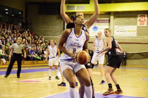 Euroligue_2015-2016_Celeste TRAHAN-DAVIS (Braine) vs. Gérone 1_Thibaut LASSER