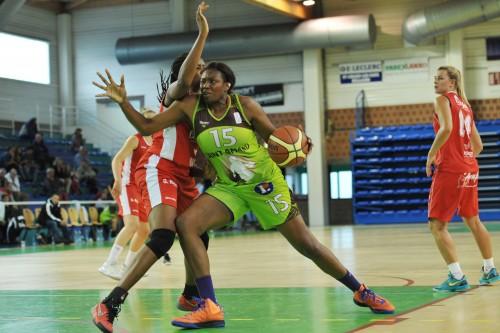 Shanece McKINNEY (Hainaut Basket) vs. Waregem_Daniel LEMOINE