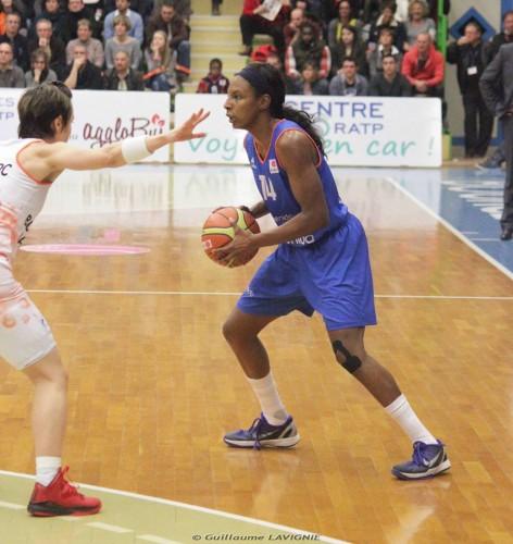 Euroligue_2014-2015_Eshaya MURPHY (Salamanque) vs. Bourges_Guillaume LAVIGNIE